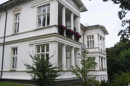 Modernes PENTHAUS auf der VILLA ALBA - Seebad Heringsdorf - Apartemen