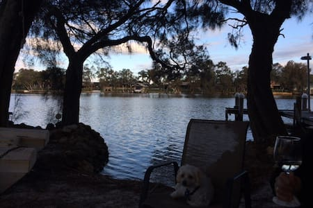 Holiday house on the Murray river - House