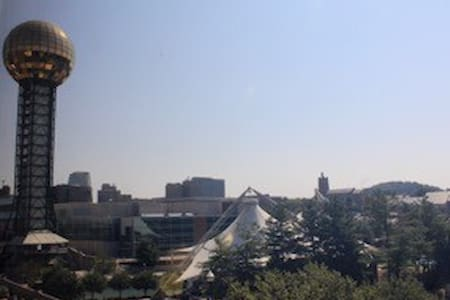 Downtown Loft, 1 bedroom World's Fair Park - Knoxville