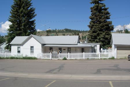The Poppy House - Creede - Hus