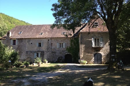 Idyllic mill-house near Rocamadour - Penzion (B&B)