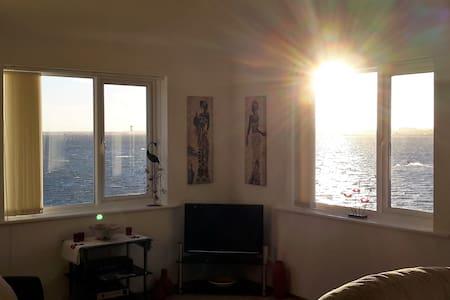 Stunning sea view Apartment in Sandbanks, Dorset - Poole