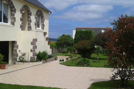 maison aux portes de PAIMPOL son port en ville - Apartment