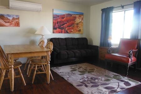 Antelope Cyn., Horseshoe Bd, Powell - Appartement