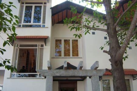 Cosy Room at elegant B&B, Whitefield, Bangalore - Bengaluru - Villa