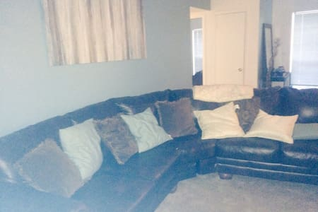 Huge Space 2bed 2 bath w pool - Smyrna - Apartment