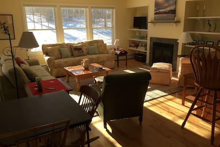 Sunny, bright, spacious 3-BR West Mountain condo - Condominium