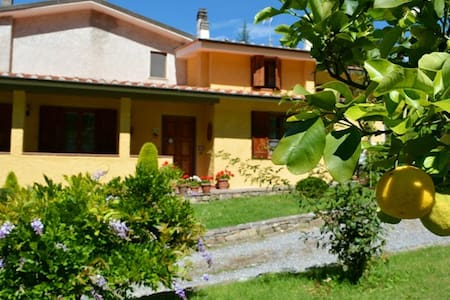 VILLA LAURA relax&view-pool-wifi - Lucca