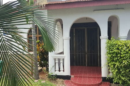 Lovely Baraka cottage for your comfortable stay. - Guesthouse