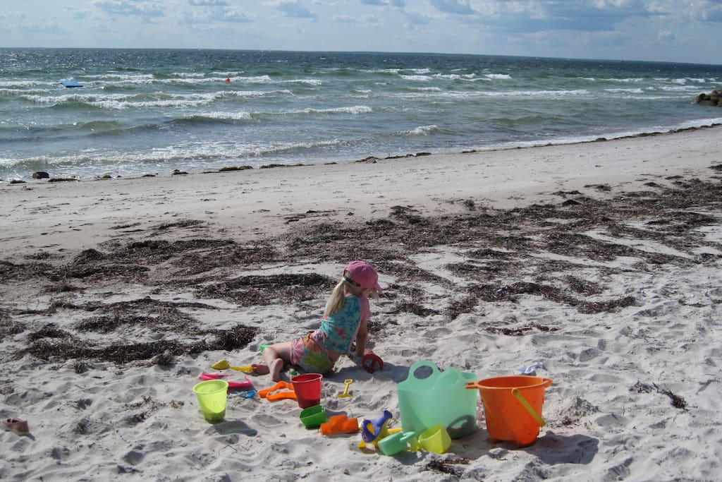 Nearby beaches keep families busy on lovely summer days.