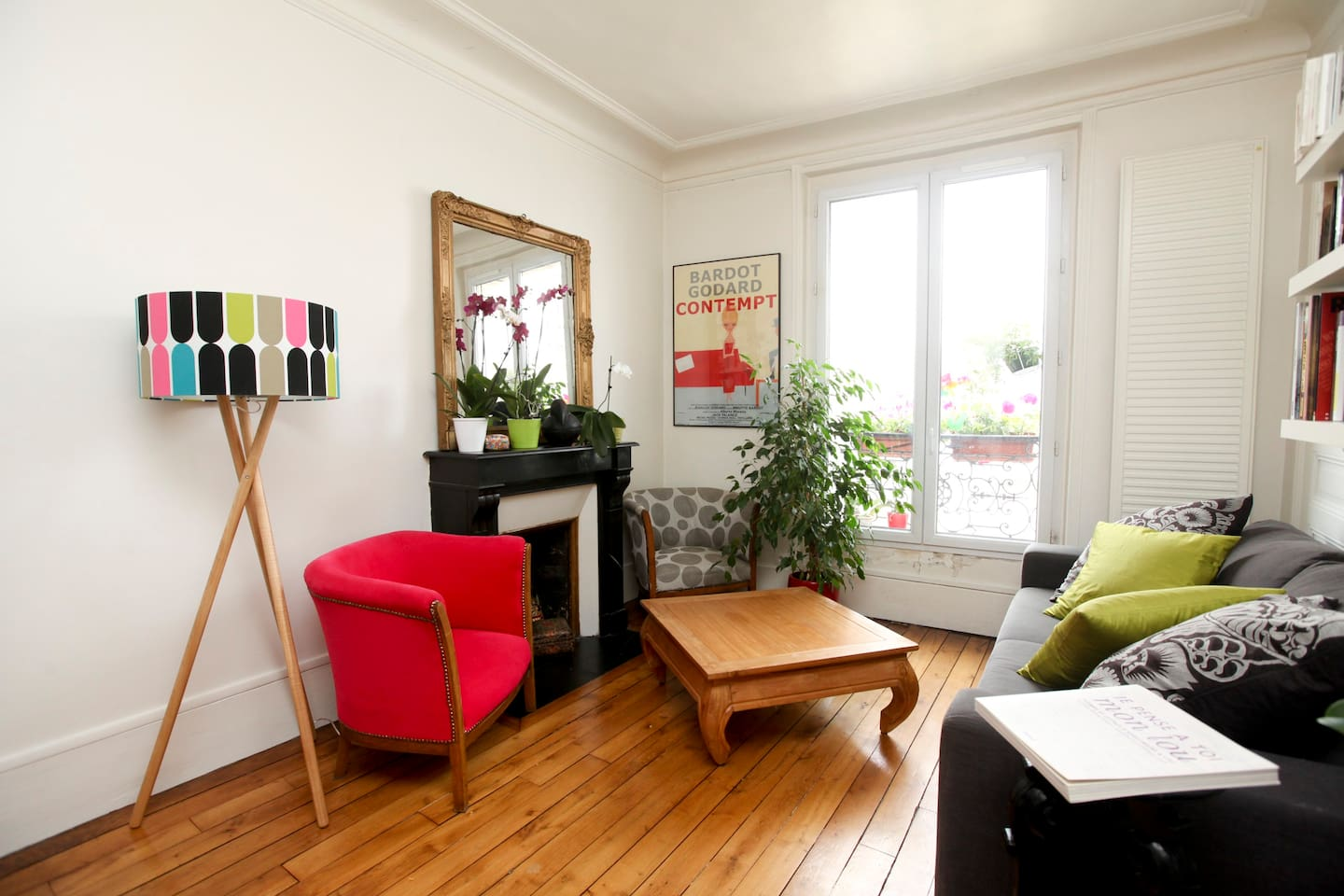 Lovely and sunny flat/ Menilmontant