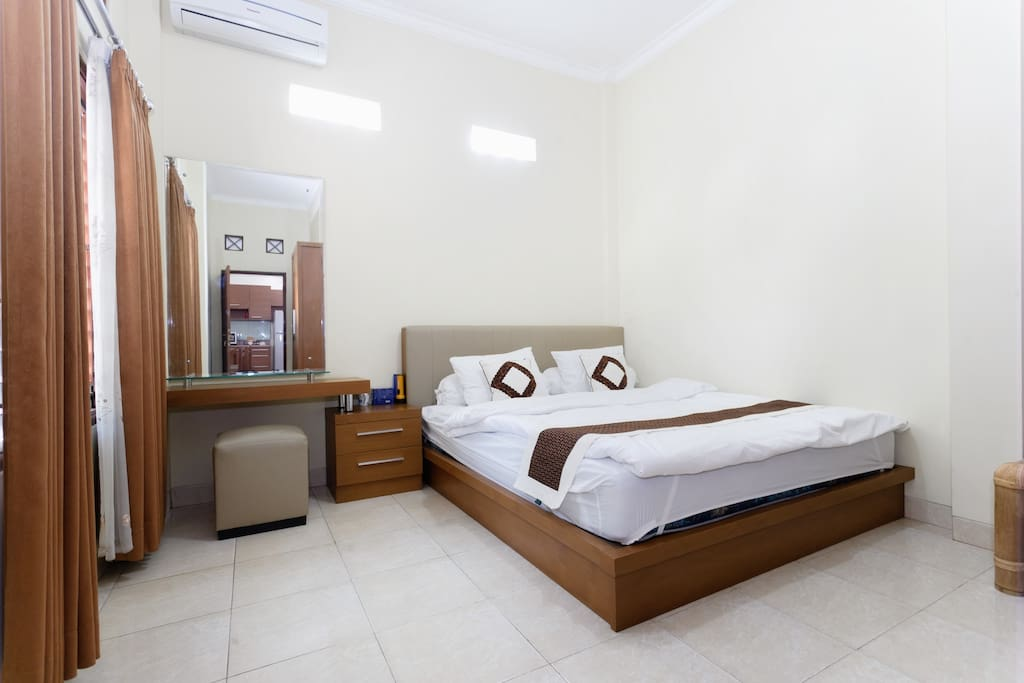 5 AC room WiFi, 10 min to Malioboro