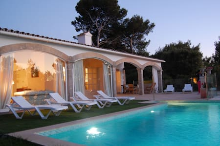Beautiful villa with pool & sea - Mal Pas-Bon Aire