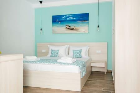Anastasia Rooms - Chrisi Akti - Apartment