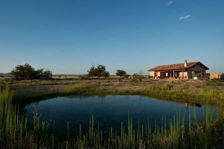 Casa La Vista ~ A Simple Getaway - Marathon - Haus