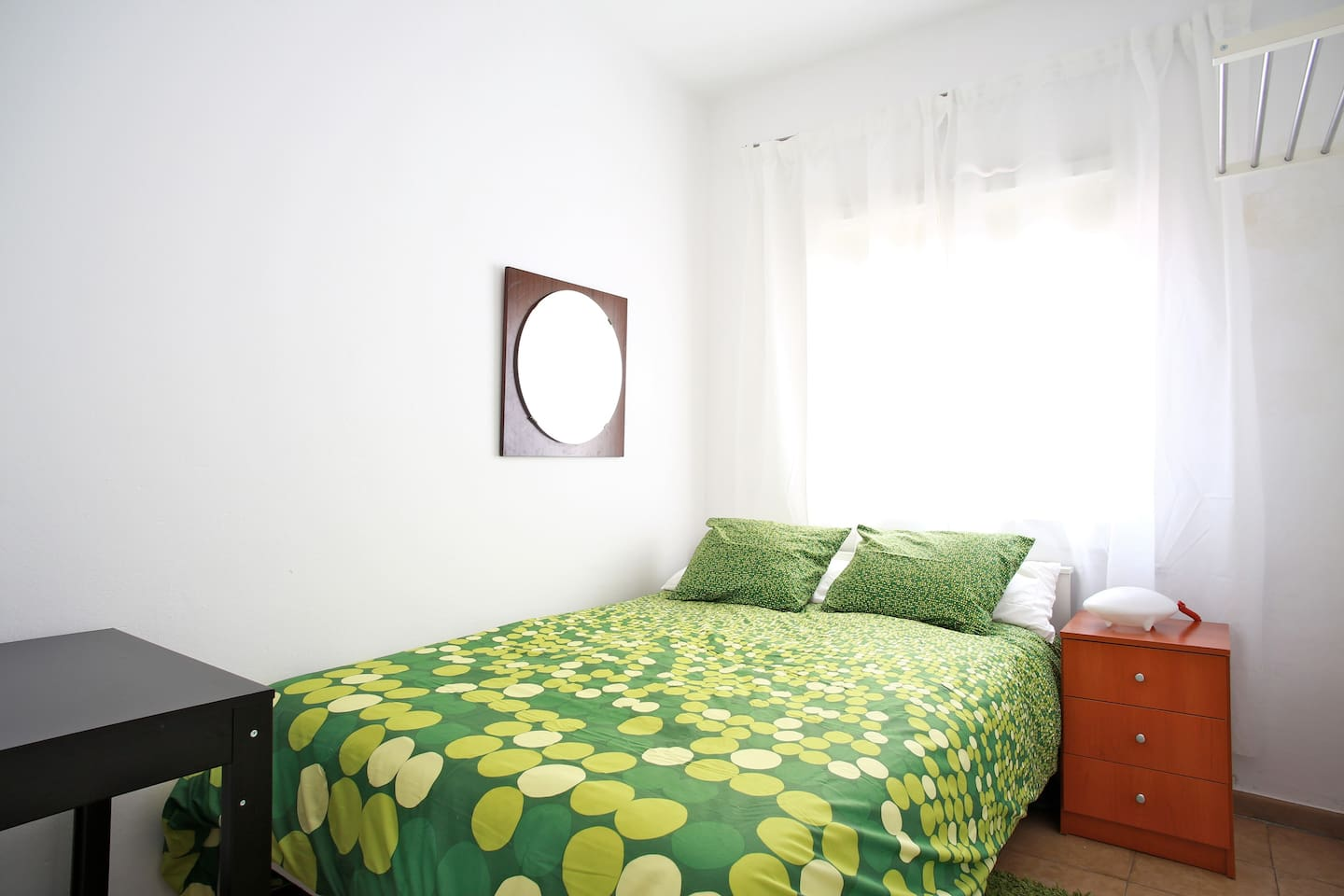 Single Room near Ramblas, Breakfast