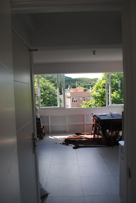 Windows open up completely for a total indoor/outdoor setting