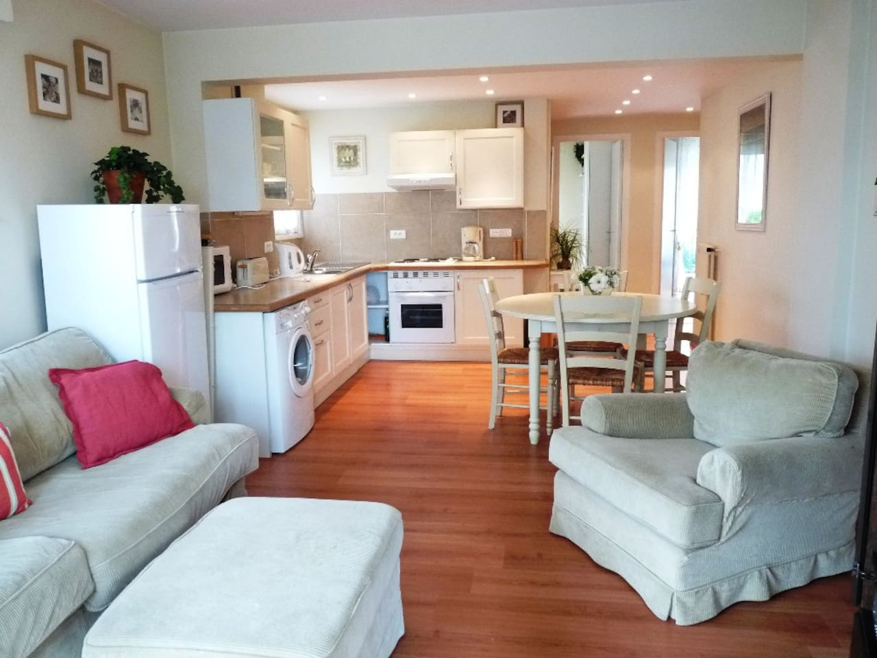 Spacious and light apartment with lovely soft furnishings