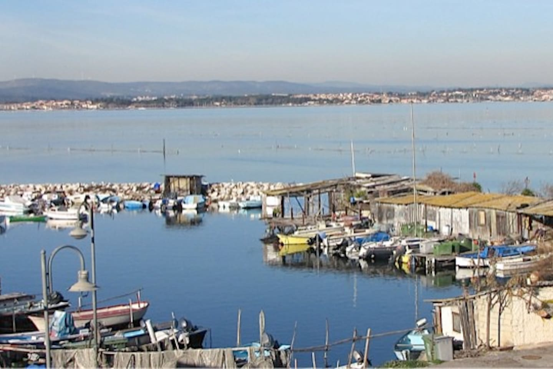 Au bord de l'étang et du canal de Sète, à 10mn du centre ville