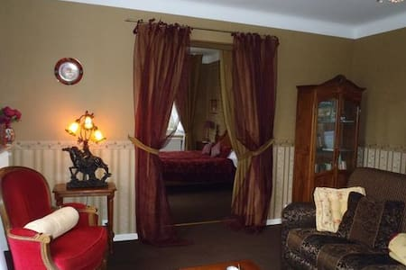Suite familiale   20 km Toulouse - Vacquiers - Bed & Breakfast
