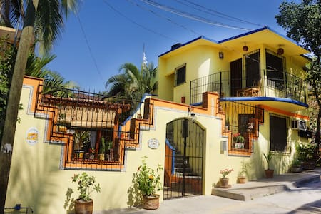 Small room, Quinta Camelinas - Zihuatanejo - House