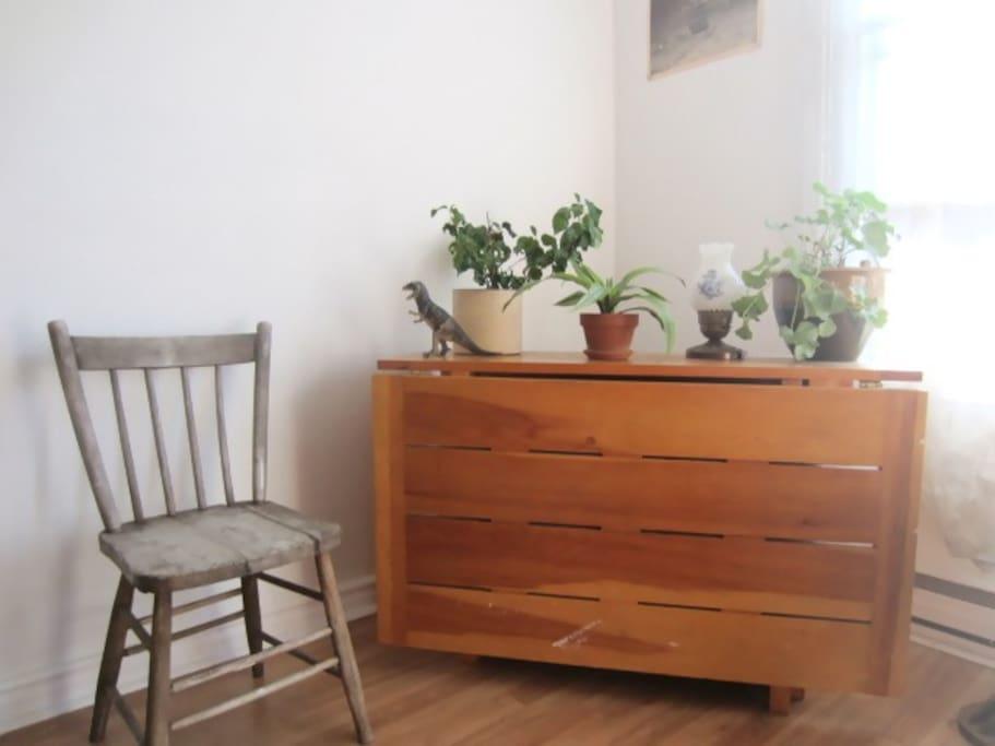 corner table folded in.