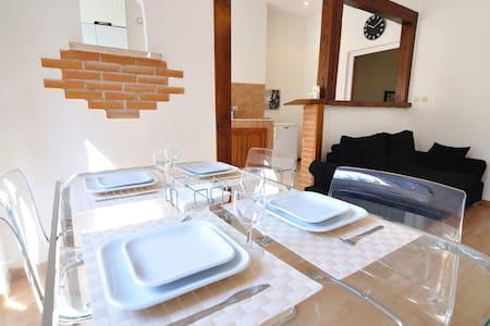 Die top 20 ferienwohnungen privatunterk nfte in 7th for Appart city lausanne