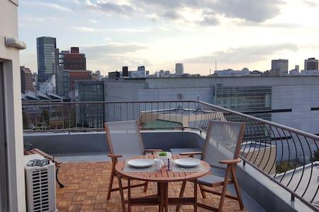 Sunny balcony 1BR ★ 2 mins Roppongi - Lägenhet