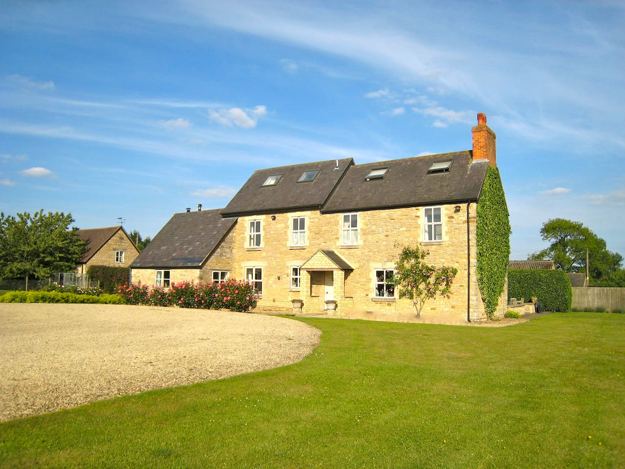 Lovely farmhouse with spectacular views over open countryside.