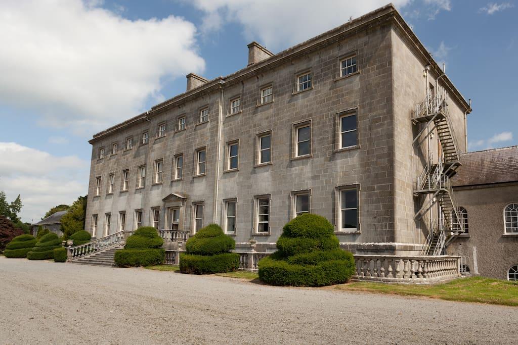 Headfort House 60 Bed School Castles For Rent In Kells