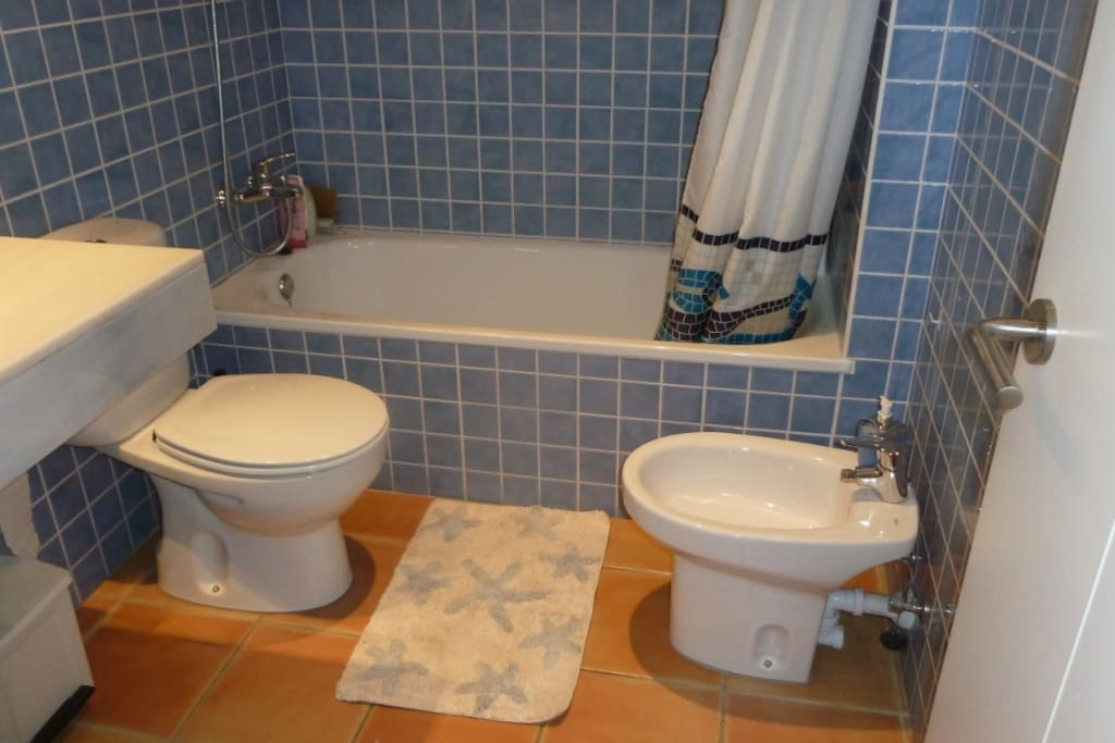DOUBLE ROOM WITH BATHROOM AND TERRA