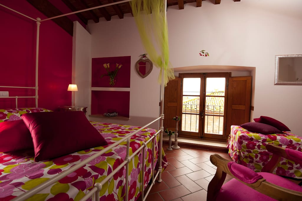 Ciliegia  triple bedroom with private bathroom