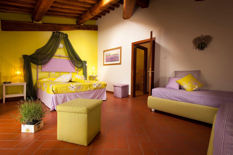 Lavanda quadruple bedroom with private bathroom