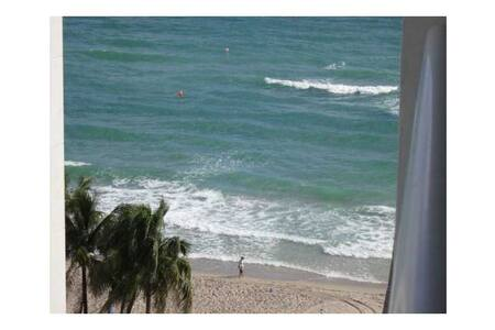 Luxury Ocean front 1bd 2 ba condo - Hollywood - Apartment