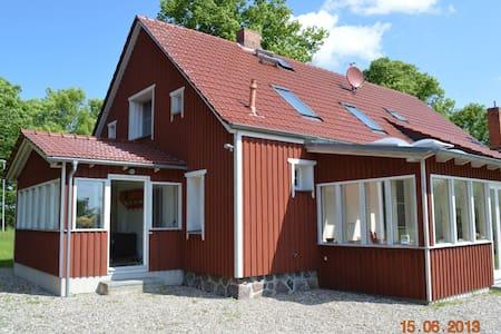 Landhaus mit Kamin zwischen Rerik und Kühlungsborn - Biendorf - Casa