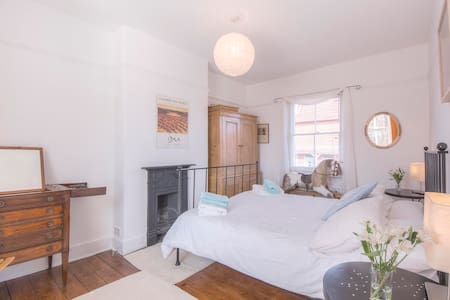 Victorian Cottage in Arundel with cosy woodburner - Huis