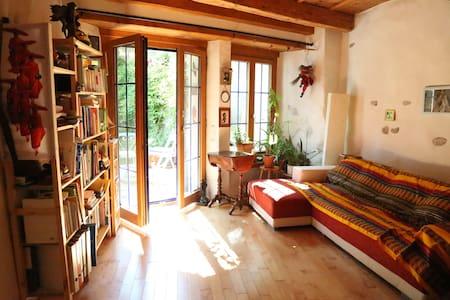 Chambre avec cachet, jardin privé, vieille ville - Bed & Breakfast
