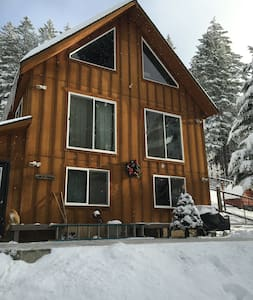Mountain Cabin Vibrant Wildlife - Cle Elum - Hus