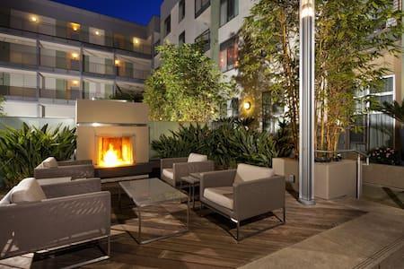 BRAND NEW! Hollywood Luxury Loft! - West Hollywood