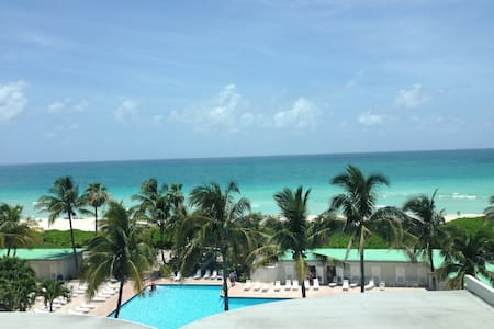 AMAZING OCEAN VIEW BEACHFRONT W/POO - Miami Beach - Apartment