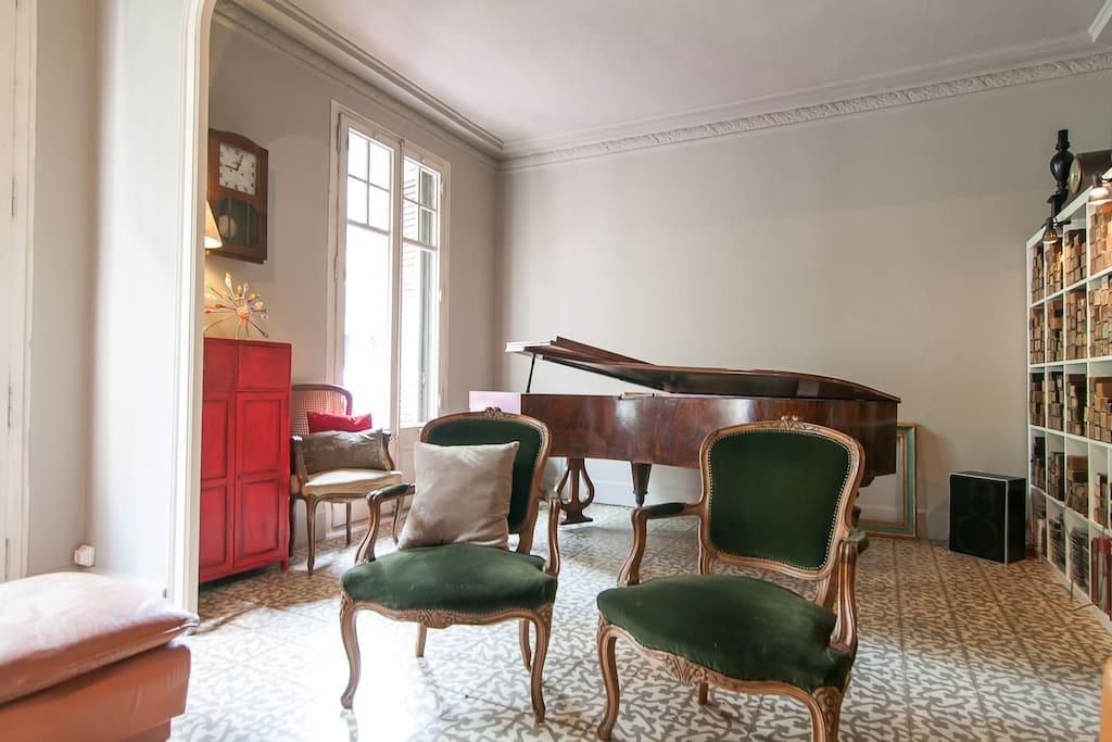 CASANOVA HOUSE charming room