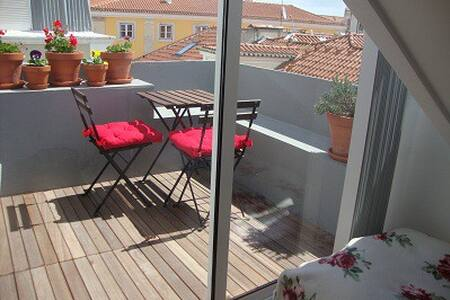 Rooftops in Bairro Alto, Lisbon - Lisboa - Apartment