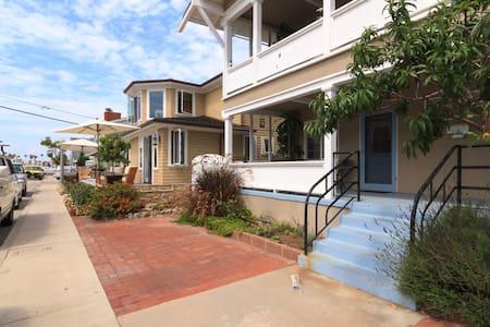 Historic Apartment on Balboa Island