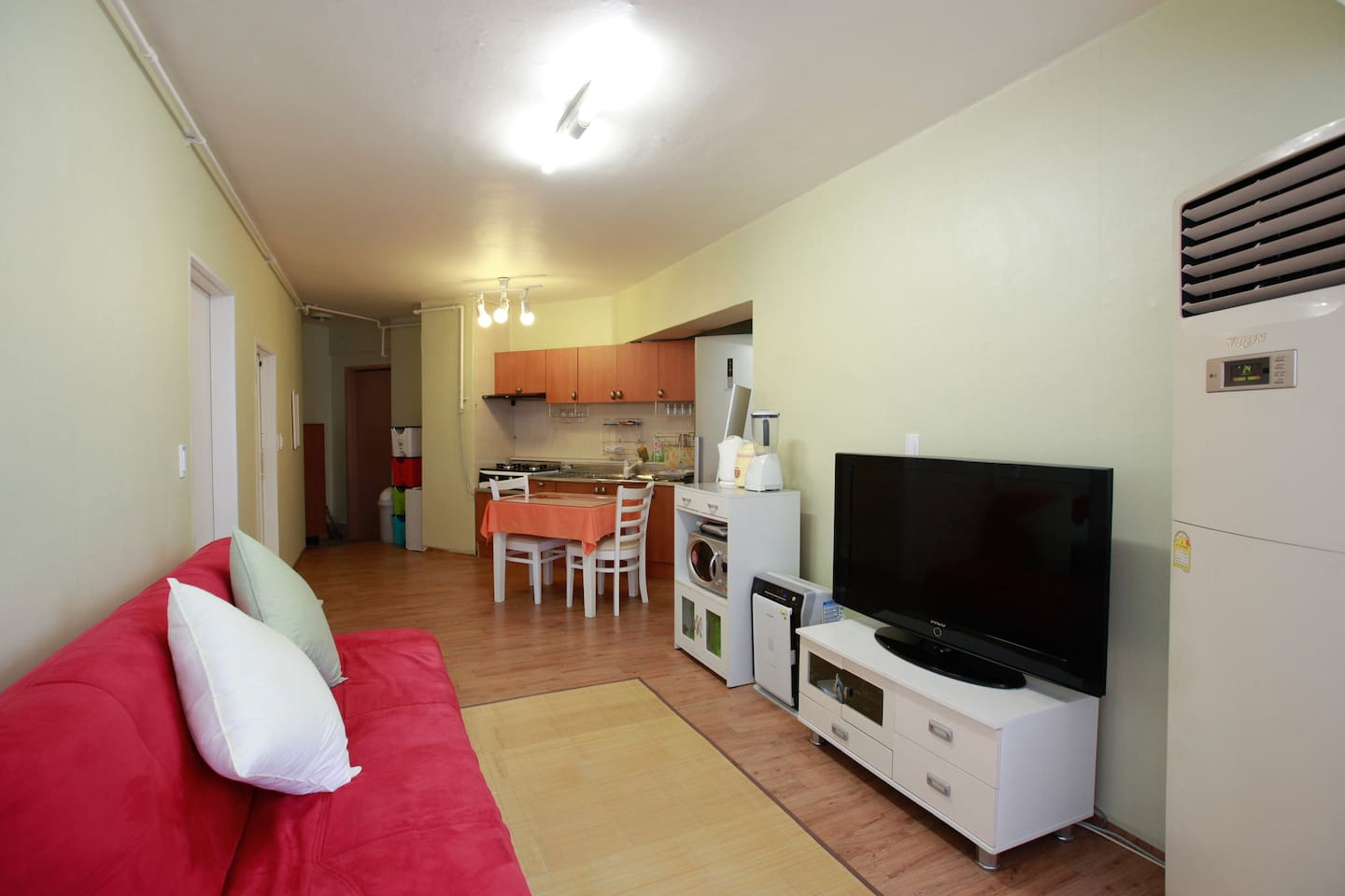 2 Room apartment, 3 mins from beach