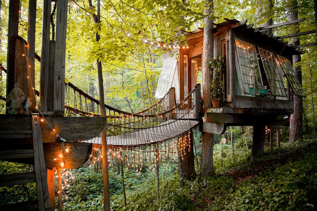 Magical Tree House, Airbnb Rent a Tree Hut for a Night Located in Atlanta, Georgia