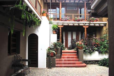 Studio flat, historic Cuenca  - Lakás