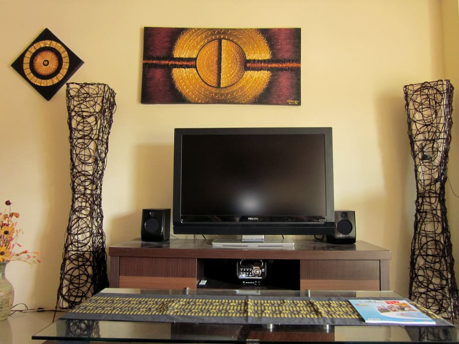 Living room with aircon, TV, DVD Player...