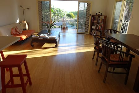 Simple elegant apartment by the sea - Nightcliff