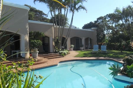 Beach-side BnB in Umhlanga Rocks - Inap sarapan