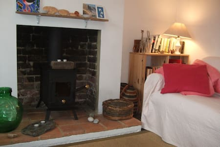 Whitstable cottage, 2 mins to beach - Apartment